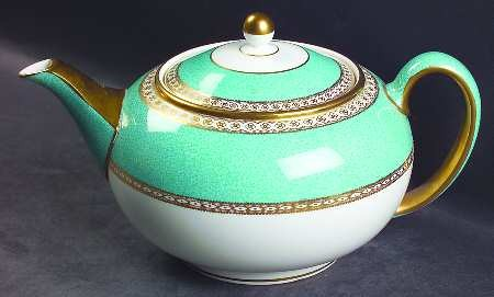 Wedgwood: Tea Pot with Lid